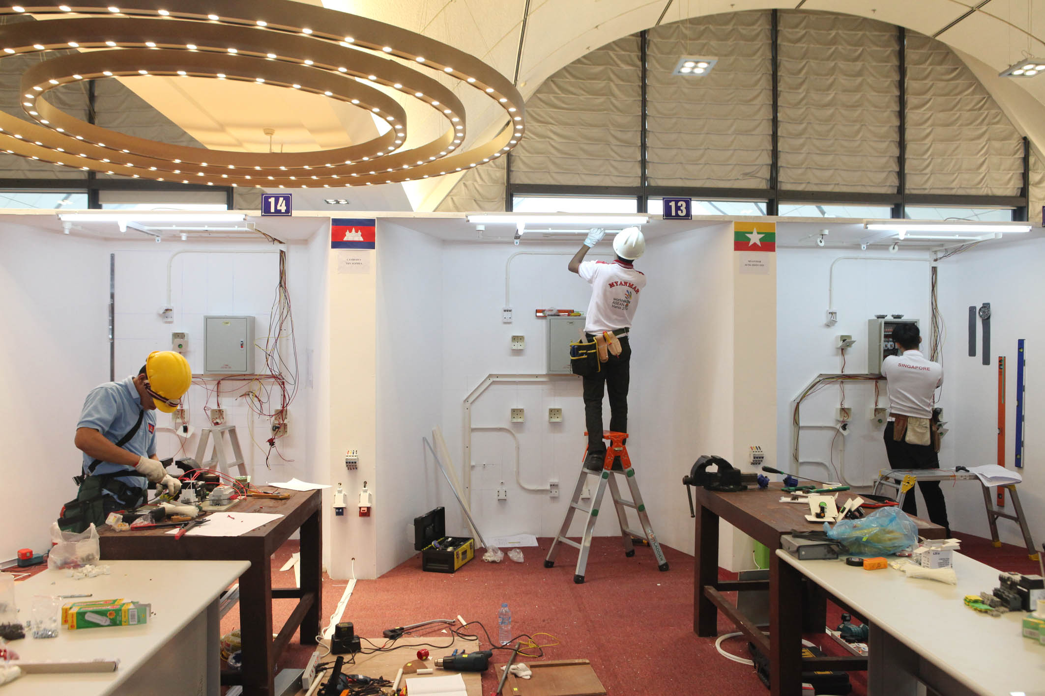 Contestants of electrical installation, Anh Tuan – Vietnam News Agency