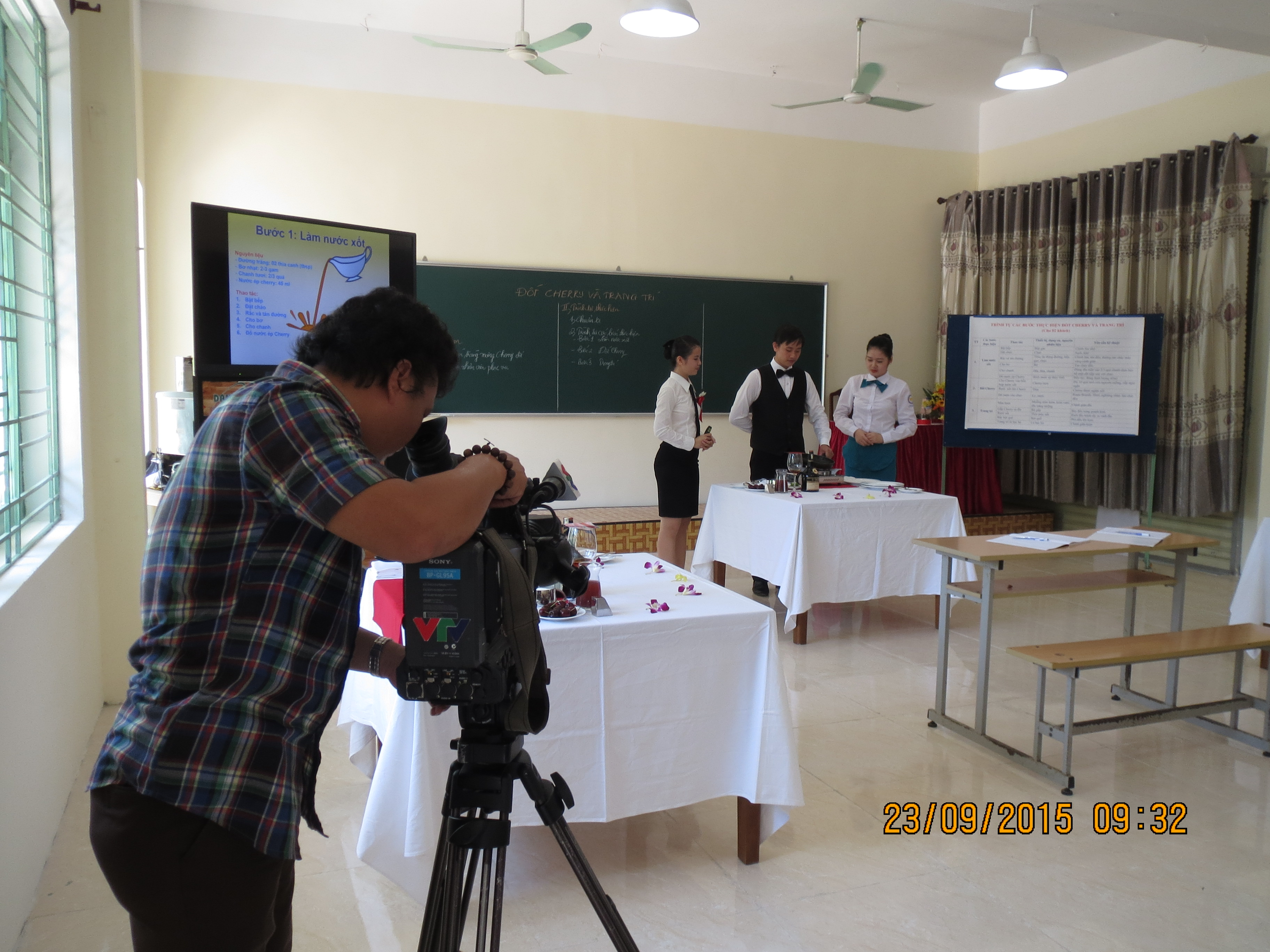Journalists working at Teachers' competition