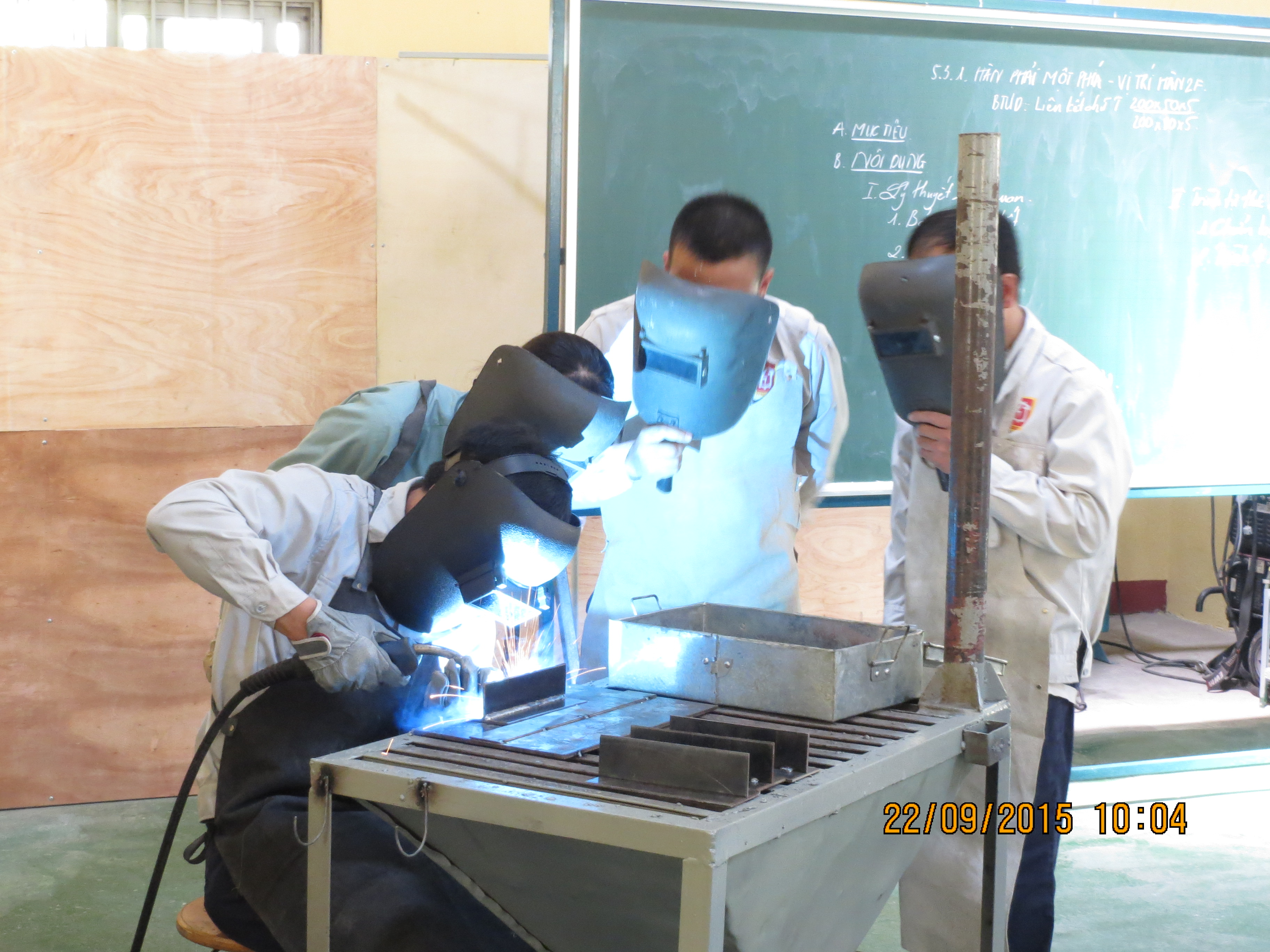 Practice of welding during presentation of lecture