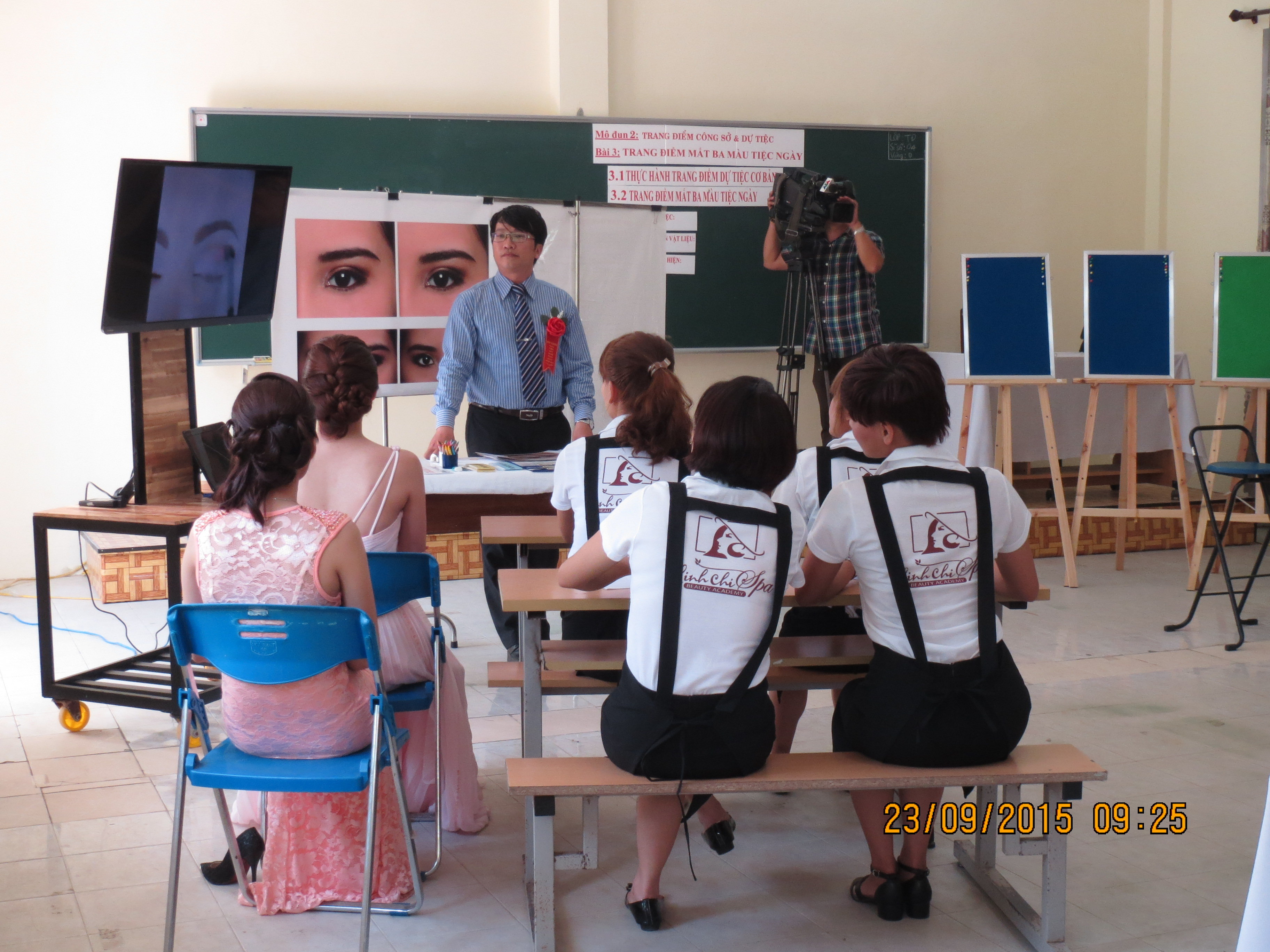 Presentation of lecture on Make-up