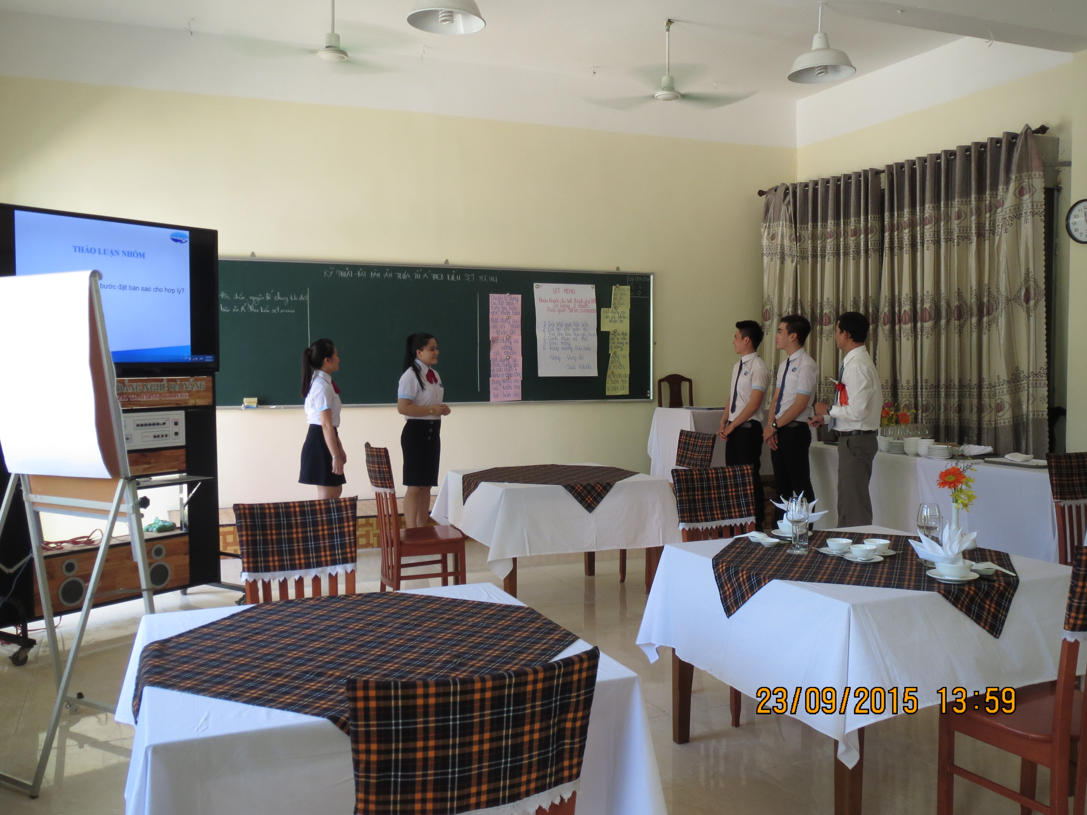 Presentation of lecture by sub-committee Restaurant - Hotel