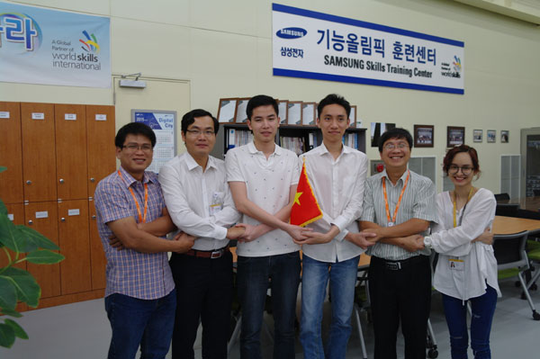 Contestants and experts of Mechanical design – CAD and IT software solution at vocational training center Samsung Korea