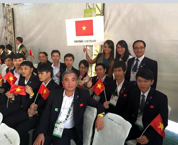 Contestants before the start of opening ceremony
