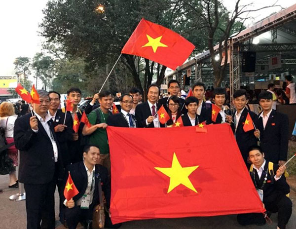 Vietnam delegation before the opening ceremony